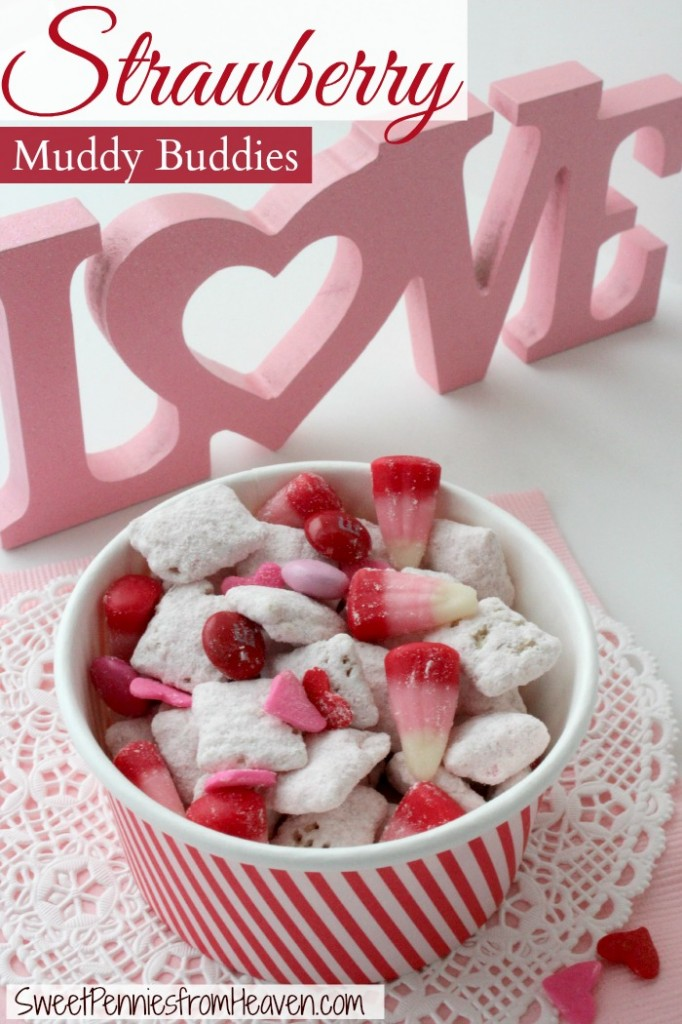 Strawberry Muddy Buddies Valentine's Day Recipes