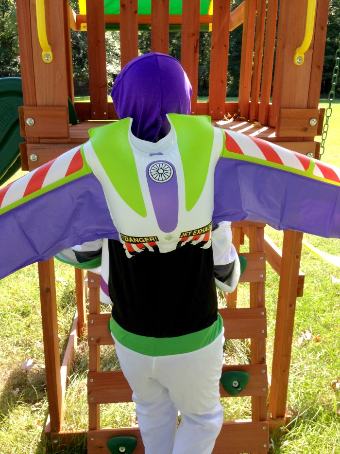 buzz-lightyear-costume-eli-slide
