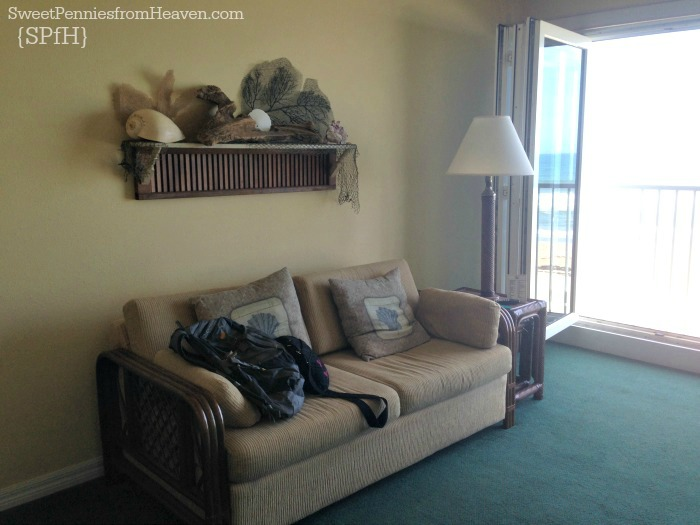 tuckaway-shores-resort-living-room