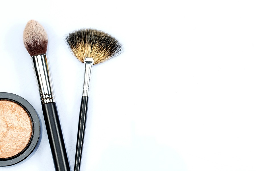 We're sharing 7 girls night out beauty tips, including bronzer!