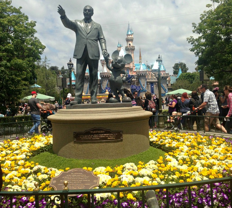 walt-and-mickey-in-front-of-castle