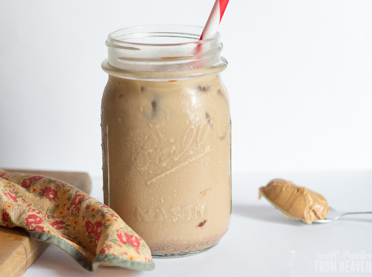 How to make instant iced coffee in less than 2 minutes plus a peanut butter and chocolate iced coffee recipe!