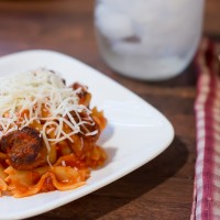 Bowtie pasta with mini turkey meatballs