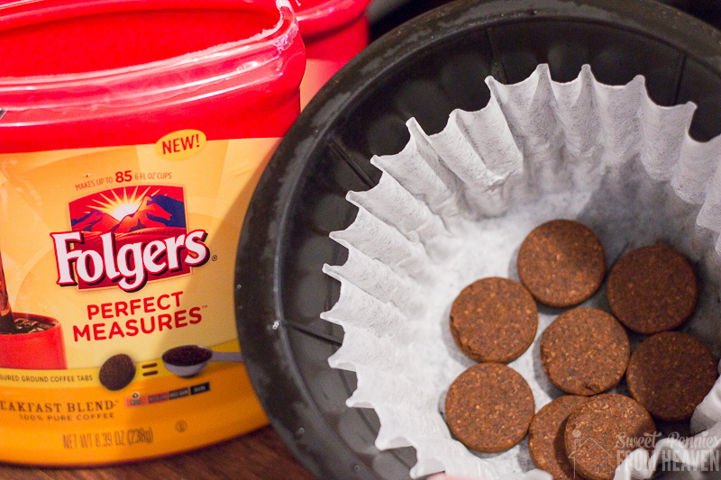Folgers-Coffee-and-Cookie-swap-party-perfect-measures-tabs