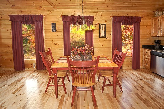 big-bear-falls-dining-table-for-six-600x400