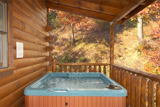 big-bear-falls-hot-tub-600x400