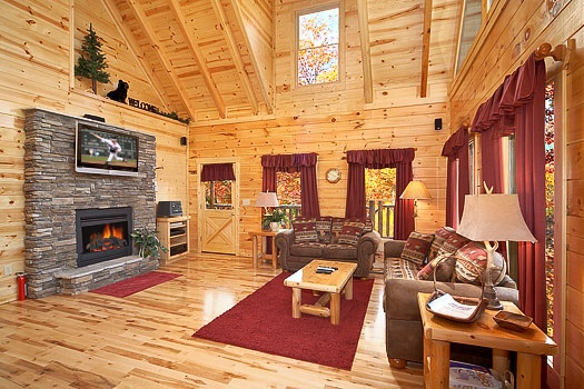 big-bear-falls-living-room-with-stone-fireplace-600x400