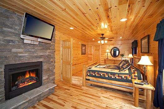 big-bear-falls-master-bedroom-600x400